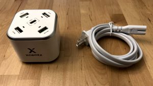 Xcentz xDynamo 5 and power cable