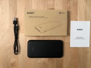 AUKEY PB-Y13 10000 USB-C PD box and contents
