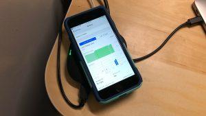 AUKEY CB-C70 Unity Wireless 100W wirelessly charging iPhone 8