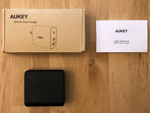 AUKEY PA-D1 Focus Duo 30W box and contents