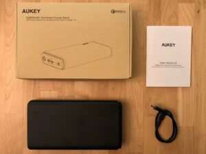 AUKEY PB-Y24 26800 Universal box and contents