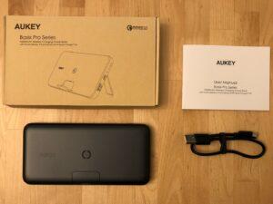 AUKEY PB-WL02 Basix Pro Wireless 10000 box and contents