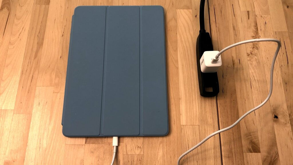 iPad Air with Anker PowerPort III Nano
