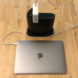 Omars 26800 Portable Energy Storage Station with MacBook Pro 13-inch
