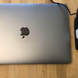 AUKEY PA-Y19 Minima 27W with 13-inch MacBook Pro