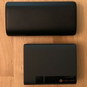 Top: AUKEY PB-Y36 Sprint Go Mini 10000 PD. Bottom: Novoo PowerCube Mini 10000.