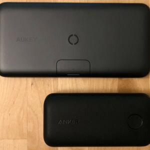 Top: AUKEY PB-WL02 Basix Pro Wireless 10000. Bottom: Anker PowerCore 10000 PD Redux.