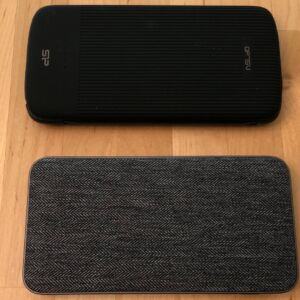 Top: SP QP75 PD. Bottom: ZMI PowerPack 10K USB-C.